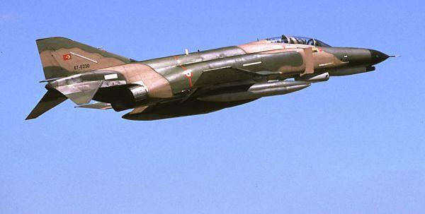 CELA CHAUFFE ENTRE LA TURQUIE ET LA SYRIE ! dans REFLEXIONS PERSONNELLES F4-Avion
