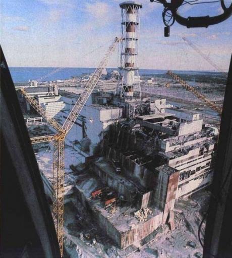 la-centrale-nucleaire-de-tchernobyl-apres-la-catastrophe_3922_w460 EELV dans REFLEXIONS PERSONNELLES