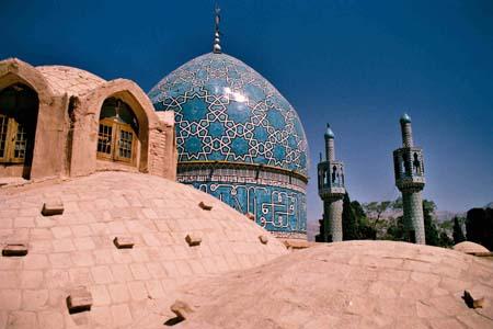LA CONFRONTATION ETATS-UNIS / IRAN ENTRE DANS UNE NOUVELLE ET DANGEREUSE PHASE (Peter SYMONDS) dans REFLEXIONS PERSONNELLES IRAN-1