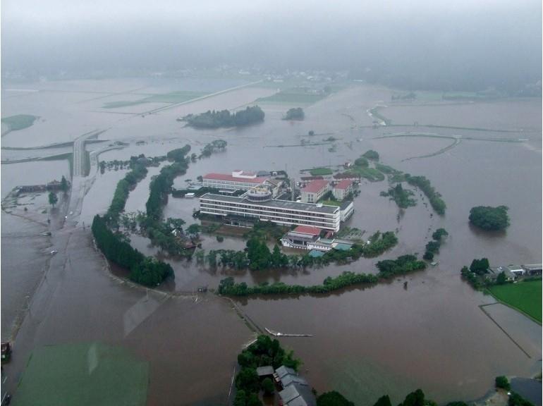DELUGE AU JAPON: 400 000 PERSONNES APPELEES A EVACUER.  dans REFLEXIONS PERSONNELLES JAPON