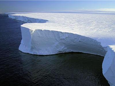 FONTE SANS PRECEDENT DE LA CALOTTE GLACIAIRE DU GROENLAND, SELON LA NASA...LE PIRE EST À VENIR ! (Thierry LAMIREAU) dans REFLEXIONS PERSONNELLES calotte-glaciaire-372567