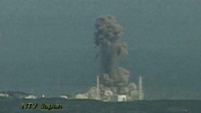 JAPON: LE PAYS RENOUE AVEC L'ENERGIE ATOMIQUE (NUCLEAIRE) MALGRE LE TRAUMATISME DES POPULATIONS dans REFLEXIONS PERSONNELLES explosion-centrale-nucleaire-fukushima-10420588qsuib_17132