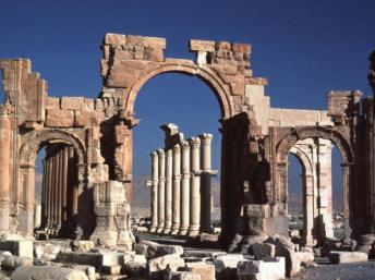 LE PATRIMOINE ARCHEOLOGIQUE DE L'HUMANITE: VICTIME COLLATERALE DES PRINTEMPS ARABES (Chems Eddine CHITOUR) dans REFLEXIONS PERSONNELLES Palmyre-syrie_0