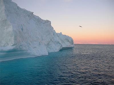 ARCTIQUE: TOTAL FERA-T-IL TACHE (D'HUILE) ? (Greenpeace) dans REFLEXIONS PERSONNELLES iceberg_groenland