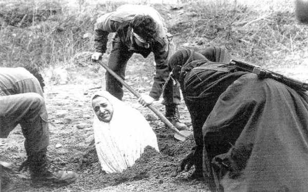 STATUT DES FEMMES IRANIENNES DEPUIS L'INSTAURATION DE LA REPUBLIQUE ISLAMIQUE...UNE DESCRIPTION DES VIOLATIONS DES DROITS DES FEMMES DEPUIS 1979 (Iran-resist.org) dans REFLEXIONS PERSONNELLES lapidation