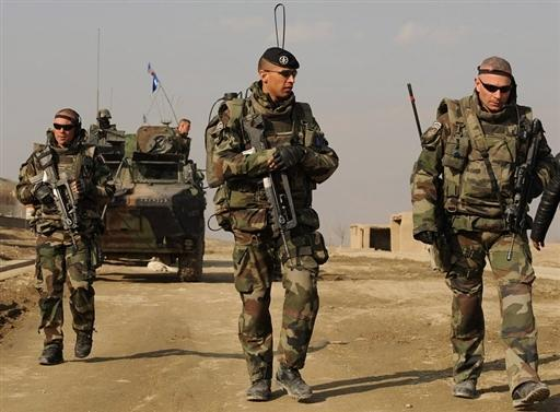 BUDGET DES ARMEES FRANCAISES: COÛTEUX ET DANGEREUX (Jean-Pierre DUBOIS /