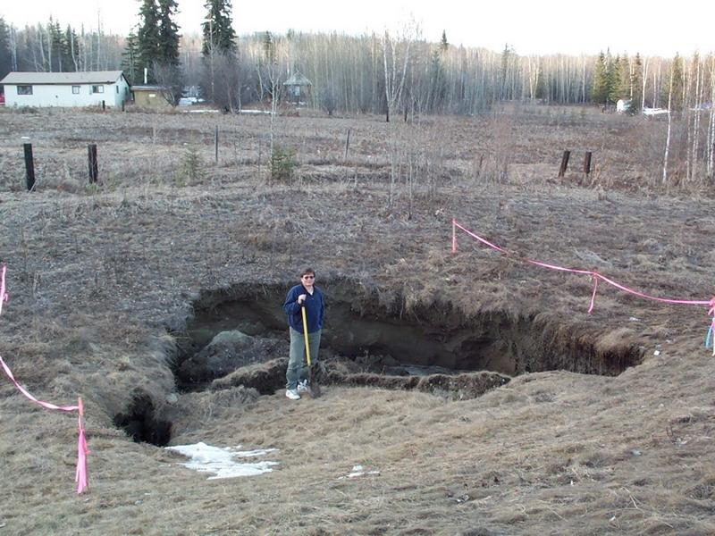 RECHAUFFEMENT CLIMATIQUE: LA FONTE DU PERMAFROST DOIT ENFIN ÊTRE PRISE EN COMPTE ! dans REFLEXIONS PERSONNELLES hole-man-shovel