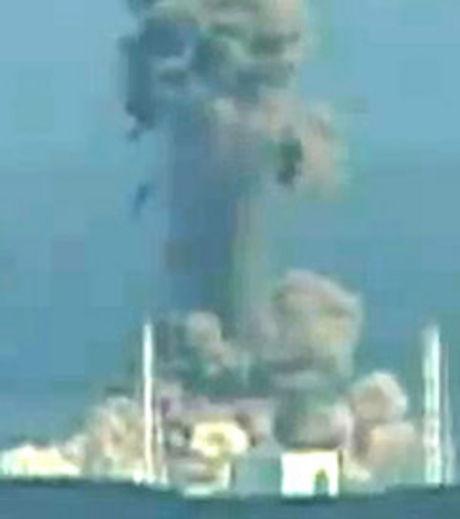 LE DOCTEUR HELEN CALDICOTT ESTIME QUE LA MOITIE DU TERRITOIRE JAPONAIS EST CONTAMINEE ! (enenews tv / gen4.fr)) dans REFLEXIONS PERSONNELLES nucleaire-risques-de-contamination-credit-photo-nhk_26034_w460