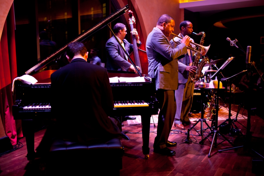 WYNTON MARSALIS AND THE LINCOLN JAZZ ORCHESTRA (BBC PROMS 2004)...DU GRAND SWING !  dans REFLEXIONS PERSONNELLES marsalis