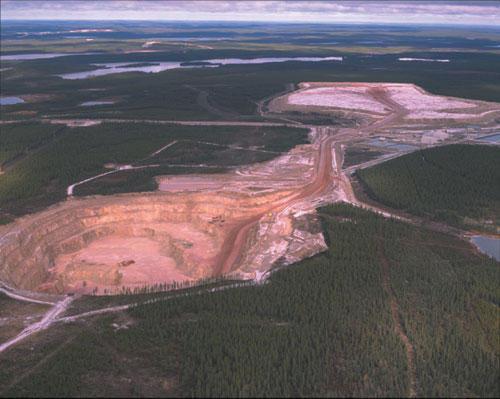 APPROVISIONNEMENT EN URANIUM: UN PROBLEME MAJEUR QUI S'ANNONCE ! (Michael DITTMAR /realinfos) dans REFLEXIONS PERSONNELLES mine_d_uranium_large