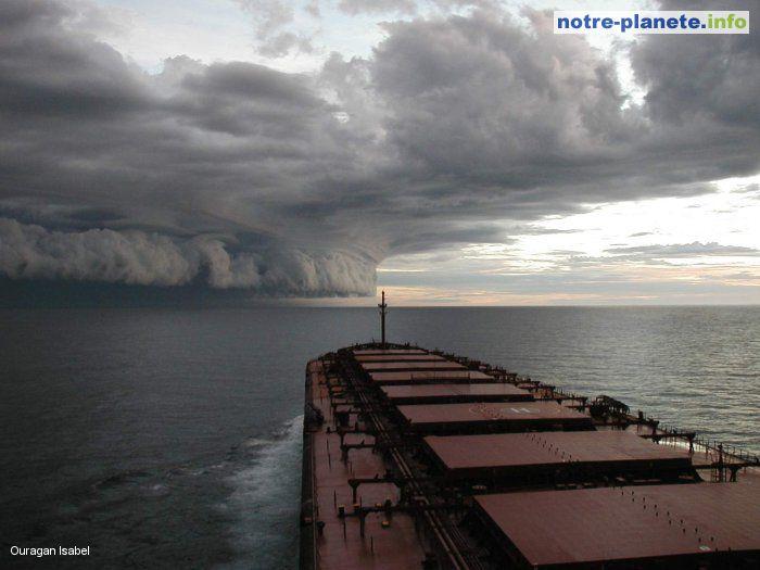 LE MONDE DE PLUS EN PLUS VULNERABLE, SELON LE FORUM ECONOMIQUE MONDIAL dans REFLEXIONS PERSONNELLES ouragan_isabelle