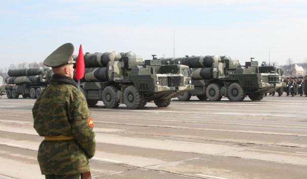 LA RUSSIE A VENDU POUR PLUS DE 15 MILLIARDS DE DOLLARS D'ARMES dans REFLEXIONS PERSONNELLES russie-iran-s300_177