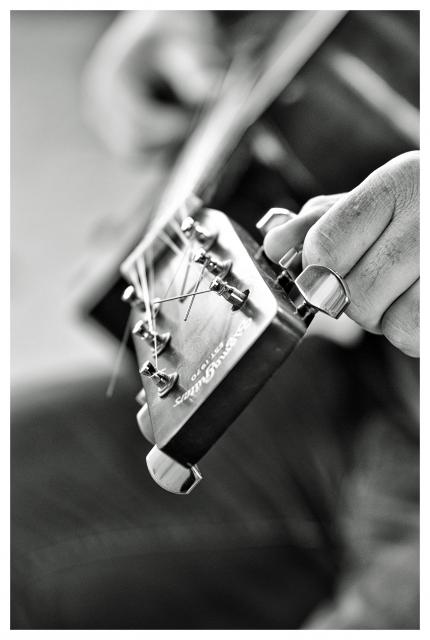 UNE GUITARE POUR 5...MAGNIFIQUE ! dans REFLEXIONS PERSONNELLES guitare