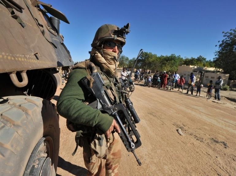 AZAWAD/MALI: LA FRANCE TRAHIT LES TOUAREGS...(http://www.siwel.info/La-France-tra...) dans REFLEXIONS PERSONNELLES aaaaaaaaa25