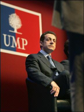 Sarkozy_TroneUMP2