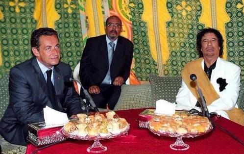 SARKOZY et KADHAFI dînent ensemble