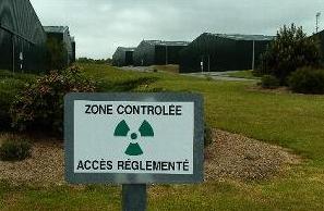 ZONE contrôlée près des hangars d'uranium appauvri à BESSINES