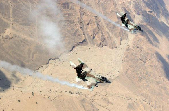Aéronefs israéliens attaquent vers GAZA