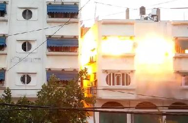Boule de feu dans une maison à GAZA à l'arrivée du missile à UA