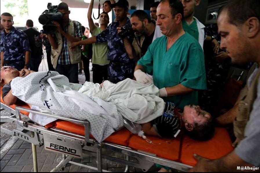 Enfant arrivant dans un hôpital à GAZA