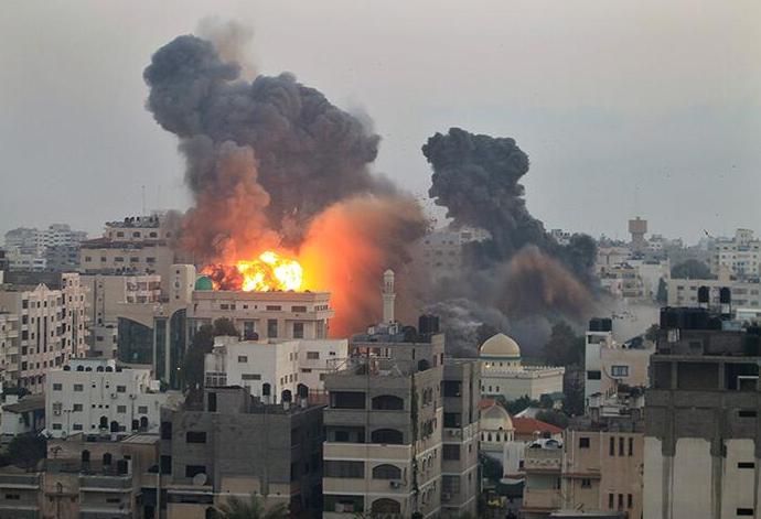 Explosion UA sur GAZA par Israël