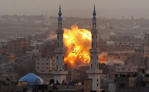 Photo explosion à GAZA après un bombardement