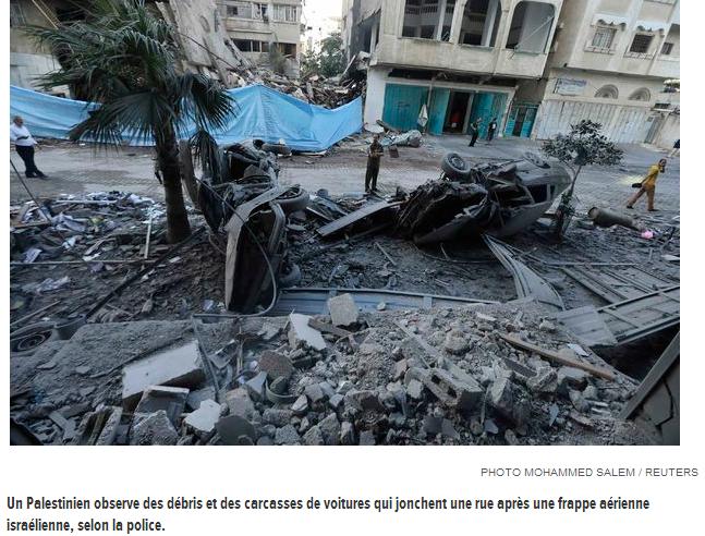Une rue après un bombardement à GAZA