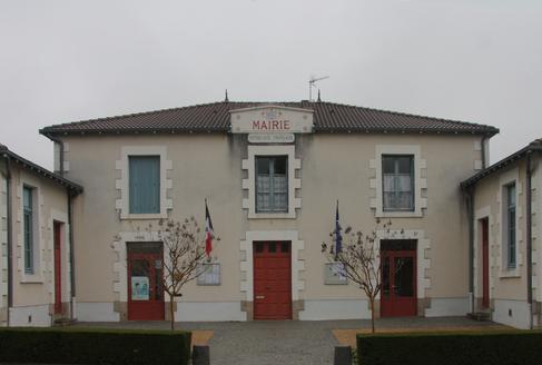 Mairie école de SAINT BONNET DE BELLAC