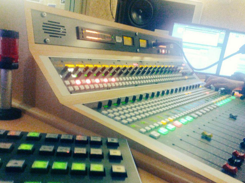 console de mixage radio