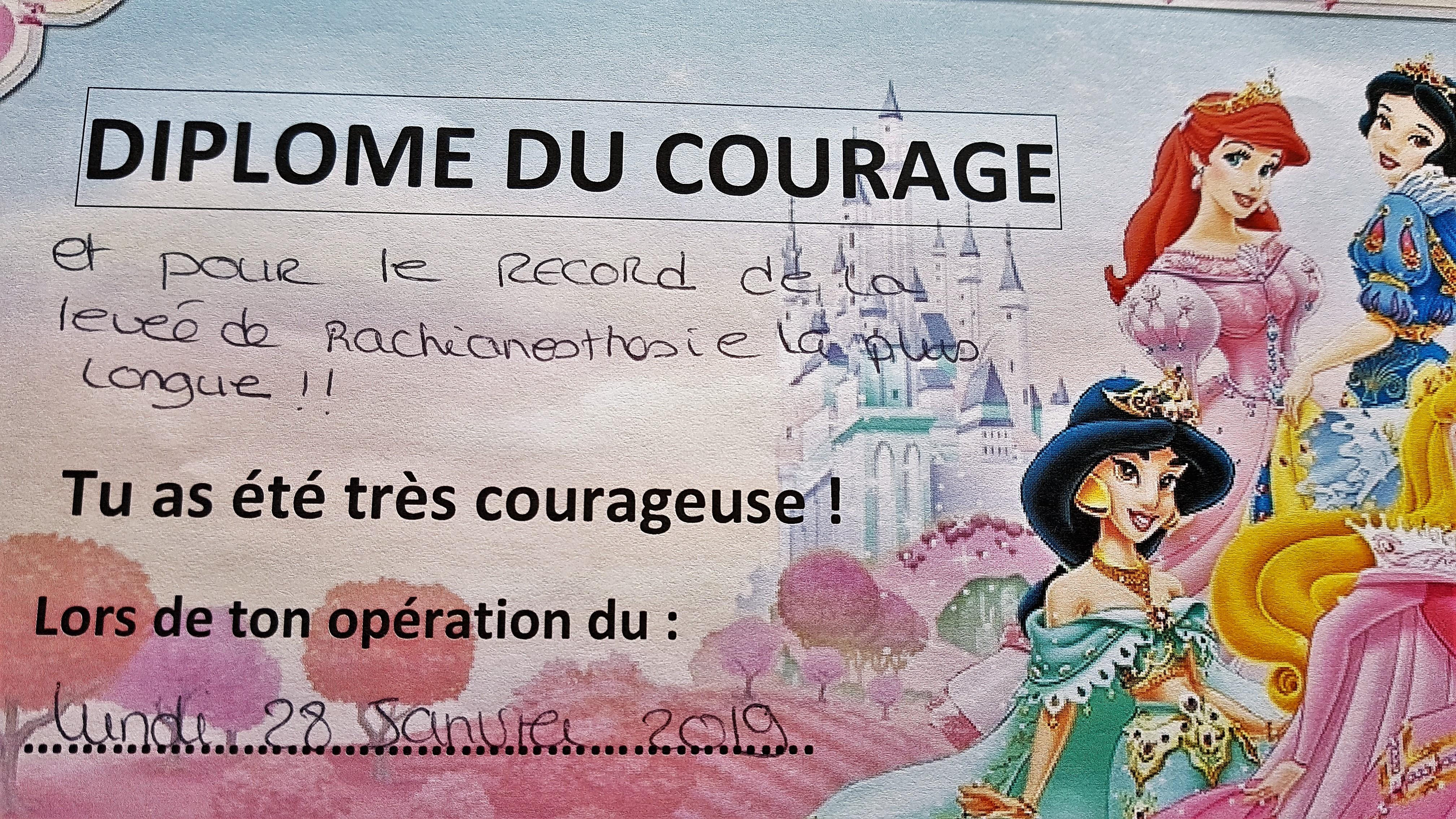 b906861fb4c06 Sûrement des documents remis aux enfants en général. Et comme « j ai été  très courageuse » j accepte de « garder ma part féminine »…