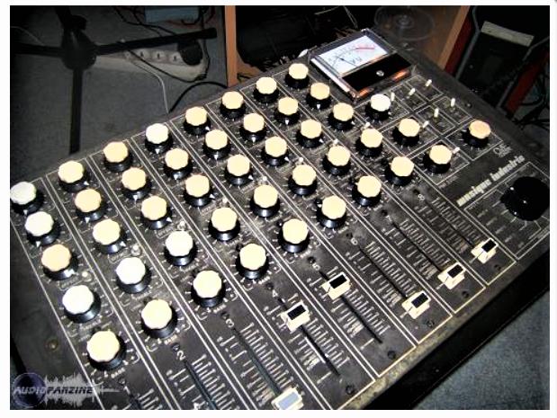 Console son Musique Industrie