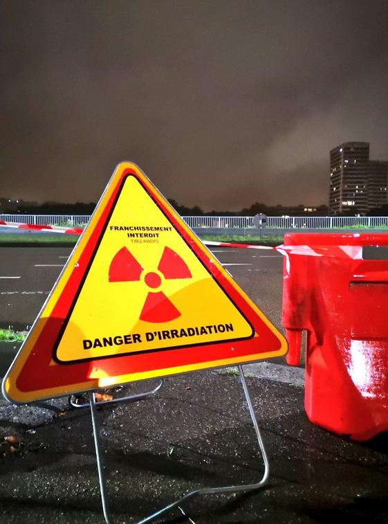 23h50 Quai bas rive gauche ROUEN panneau sigle Danger D'irradiation1er octobre 2019